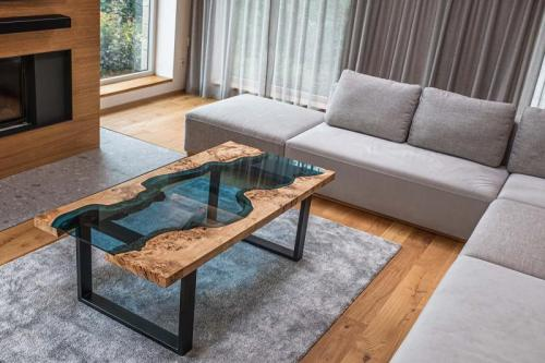 Stolek s řekou – river table